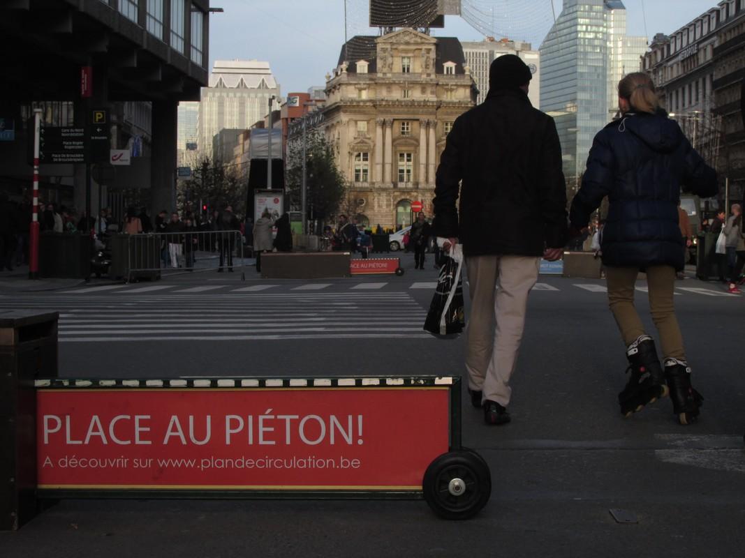 Symbool van een veranderende stad: de voetganger verovert de boulevards.