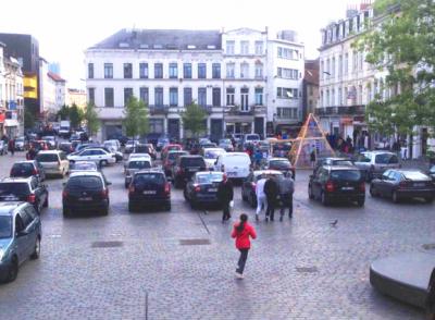 Gemeenteplein Molenbeek (c) Simon Steverlinck