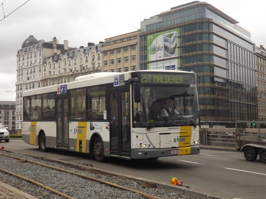 Bus De Lijn op Saincteletteplein 2